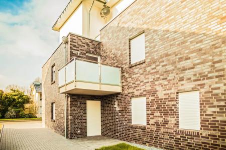Aufsatzrolllade-intergriert-in Fenster-HG-Raumdesing-Roma