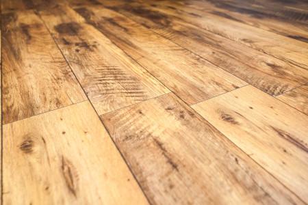 Bodenbelag-designboden-rustikal-echtholz-parkett-hg-raumdesign