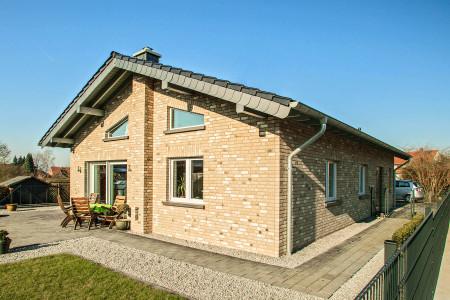 Einfamileinhaus-Fenster-Fensterbau-Uedem-HG-Raumdesign