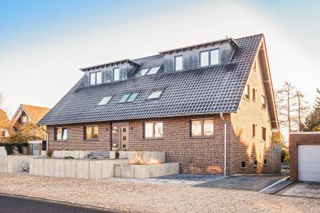 FEsnter-Dachfenster-Merhfamilienhaus-HG-Raumdesign