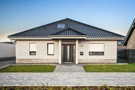 Rollladen-Einfamilienhaus-Roma-Fensterbau-HG-Raumdesign