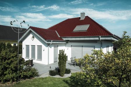 Rollladen-Terrasse-Landhaus-Roma-Sonnenschutz-HG-Raumdesign
