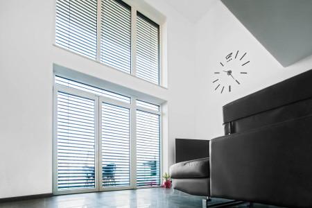 Sonnenschutz-raffstore-anlage-Lamellen-HG-Raumdesign