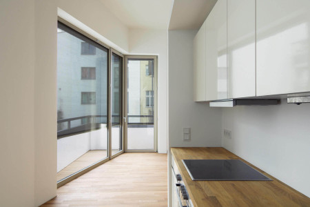Sonnenschutz_Textilscreen-in_der_Kueche-HG-Raumdesign-Roma