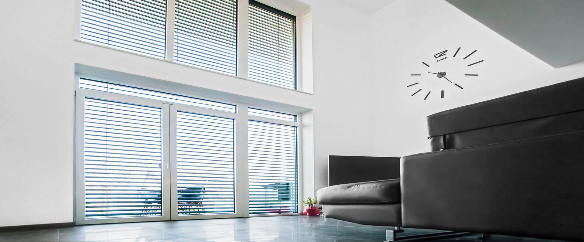 raffstore-anlage-Sonnenschutz-Lamellen-HG-Raumdesign