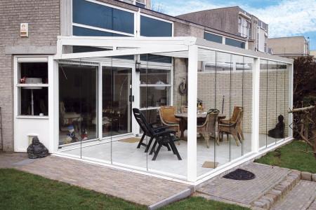 Glasschiebewand-Windschutz-Regenschutz-Terrasse-HG-Raumdesign-Aluxe