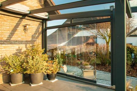 glasschiebeelemente-Glaswand-.wintergarten-Hg-Raumdesign